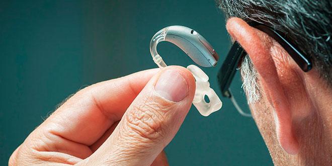 Los otorrinos alertan de que la pérdida auditiva comienza a aparecer cada vez a edades más tempranas